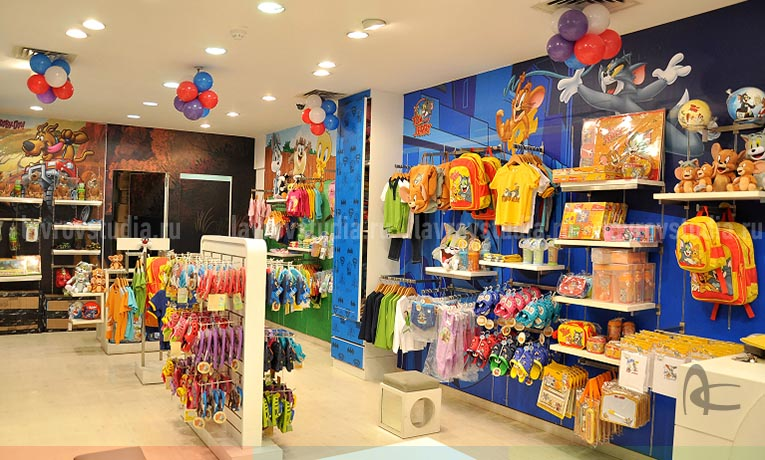 Оформление магазина одежды и магазина косметики